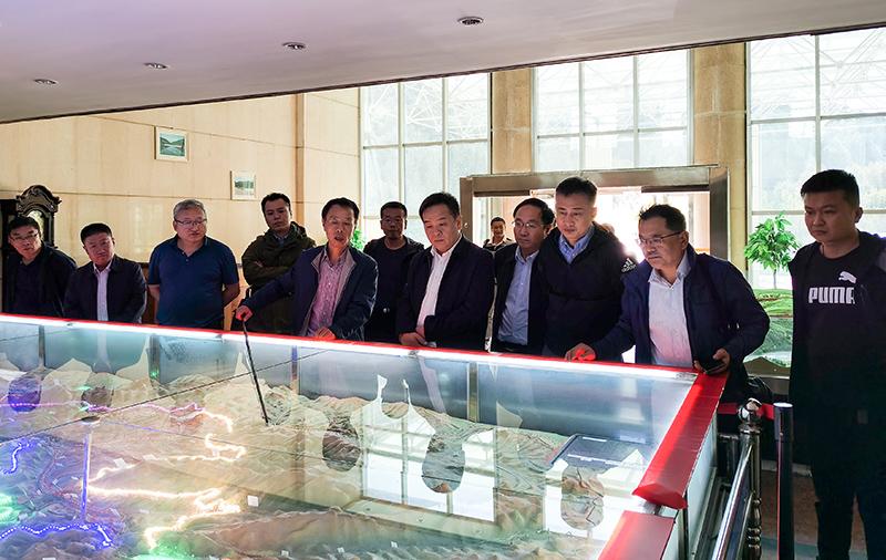 董事长郝志亮随集团领导考察青海水利建设市场