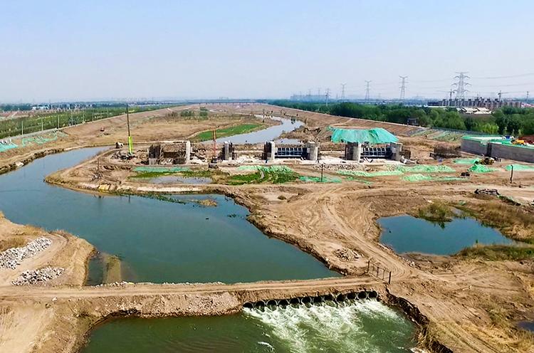 汾河百公里工程推进会在新二坝施工现场召开